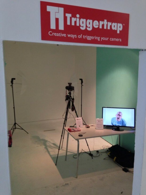 Looking into the Triggertrap ScreamGrab studio at the Mini Maker Faire shows our set-up. It doesn't look like much, but the results were delightful.
